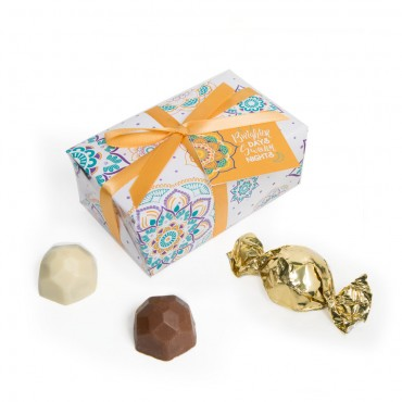 Summer Collection - White Gift Wrap Truffle Boxes (6pc)